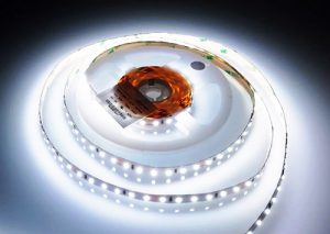 striscia led 24V 96 led/metro SMD 2835 alta luminosità